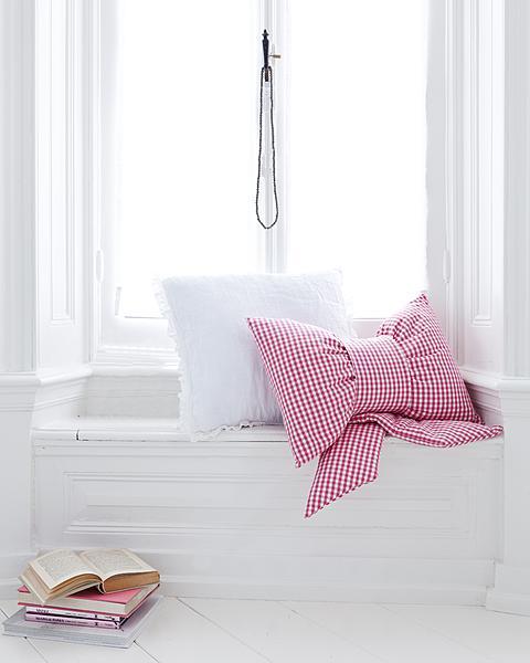 Cojines bonitos con forma de lazo chalets de lujo - Cojines bonitos ...
